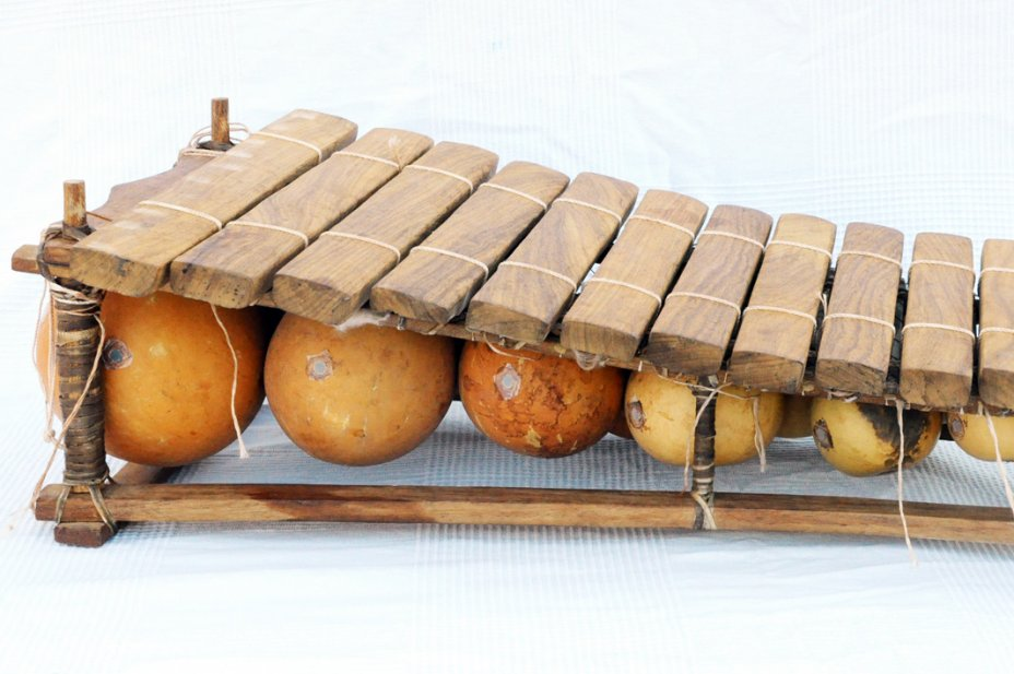 Burkina Faso balafon for sale - 16 keys pentatonic balafon