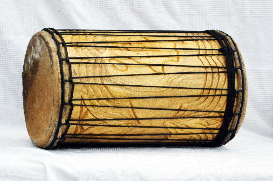 Melina traditional mounting sangban dunun - Guinea dunun drum